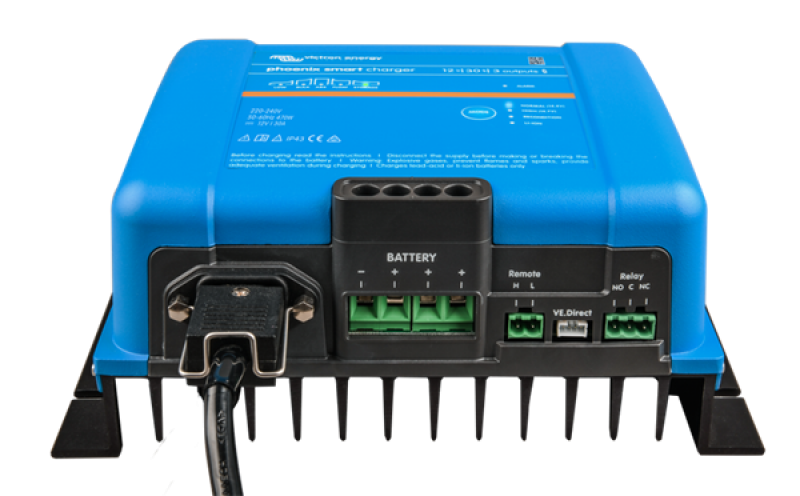 Victron Phoenix Smart IP43 Charger 12/30 (3)